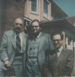 Claudi Alsina amb Karl Menger i l'Enric Trillas