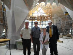 Claudi Alsina visita la Sagrada Família amb el Roger Nelsen i el matrimoni Schweizer
